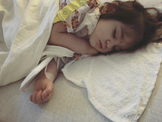 Mẹ phát hiện con mắc bệnh Kawasaki nguy hiểm dù bác sĩ kết luận chỉ là sốt vi rút nhờ dựa vào điều này 2
