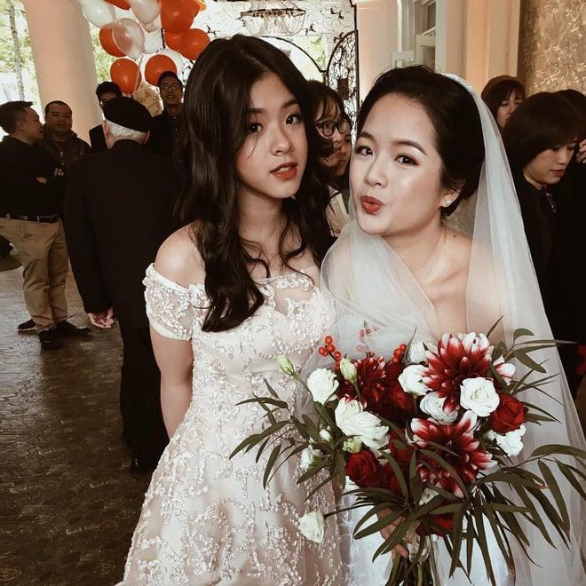 Mới ngày nào bé mũm mĩm, con gái út của nghệ sĩ Chiều Xuân giờ đã lớn phổng, tự tin diện bikini hút mắt - Ảnh 3.