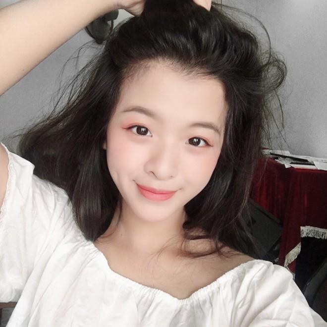 Mới ngày nào bé mũm mĩm, con gái út của nghệ sĩ Chiều Xuân giờ đã lớn phổng, tự tin diện bikini hút mắt - Ảnh 4.
