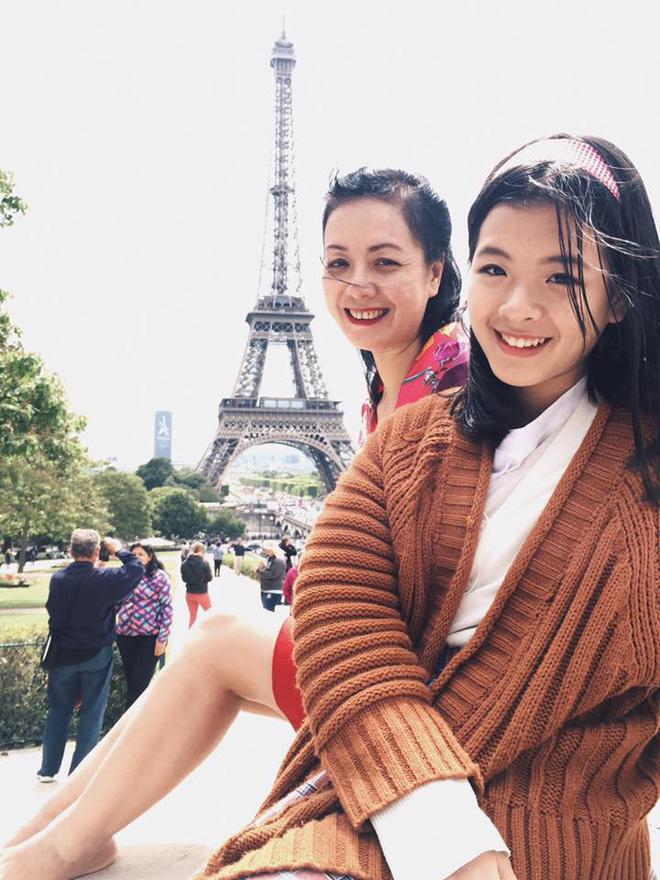 Mới ngày nào bé mũm mĩm, con gái út của nghệ sĩ Chiều Xuân giờ đã lớn phổng, tự tin diện bikini hút mắt - Ảnh 6.