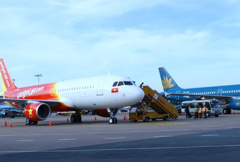 Hàng loạt chuyến bay đến Thanh Hóa và Vinh bị hủy do ảnh hưởng của bão Sơn Tinh 1