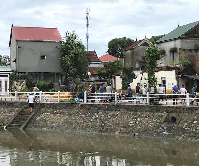 Bão tan, phát hiện thi thể người đàn ông nổi trên kênh ở Nghệ An 1