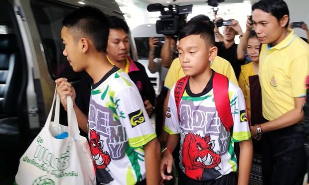 Đội bóng nhí Thái Lan họp báo: Hé lộ quyết định ai là người được ra khỏi hang trước 1