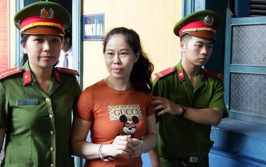 Hai chị em nhập lậu gần 400 lượng vàng từ Campuchia về Việt Nam 1