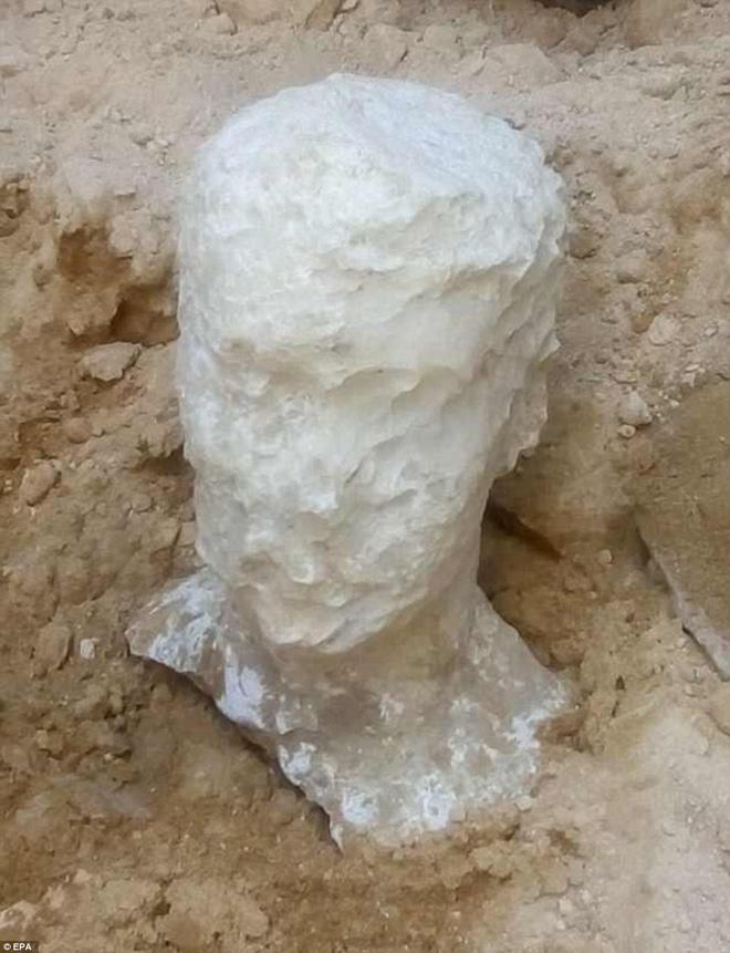 Mở quan tài đen bí ẩn nặng gần 30 tấn, Ai Cập thu được kết quả bất ngờ 4