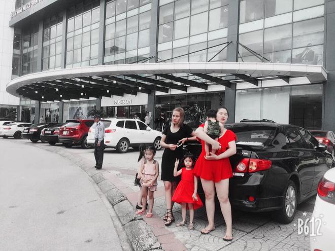 """Mặc váy đỏ sexy ra đường, mẹ bỉm sữa 80kg bị nhìn như """"người ngoài hành tinh"""", hội chị em lại rào rào ủng hộ 2"""