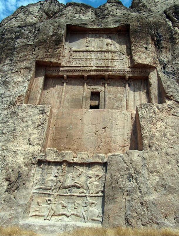 Lăng mộ hùng vĩ của những vị vua Ba Tư quyền lực nhất: Xây trên cả quả núi 2