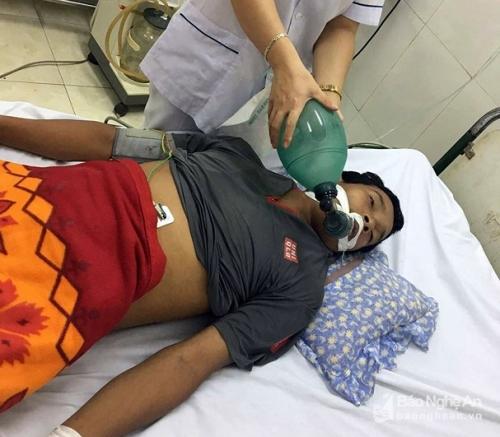 Người đàn ông ở Nghệ An tử vong sau khi uống rượu ngâm cây lá ngón 1