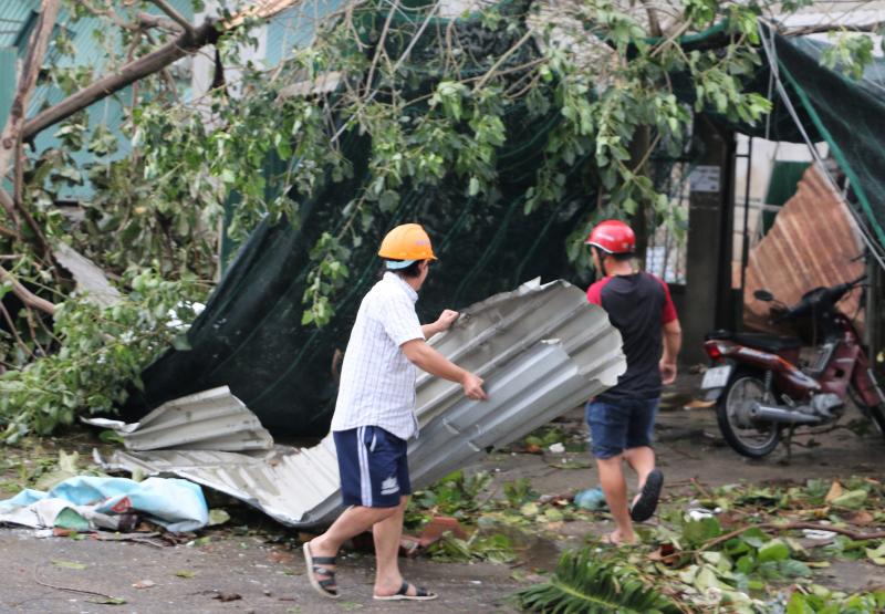 Hà Nội hỗ trợ các gia đình, cá nhân bị thiệt hại do bão số 3 1