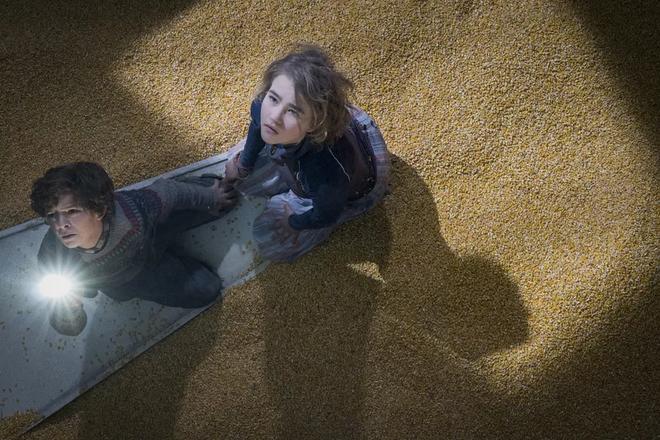 Thật khó tin khi hiệu ứng kĩ xảo khó nhất trong phim Vùng Đất Câm Lặng là lớp ngô dày 30 centimet 3