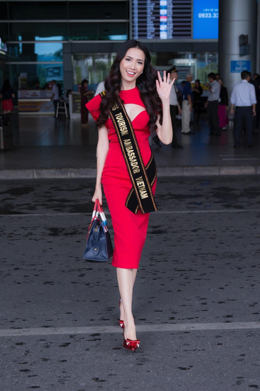 Phan Thị Mơ ra sân bay lúc 12h đêm đón thí sinh Hoa hậu đại sứ du lịch thế giới 2018 1