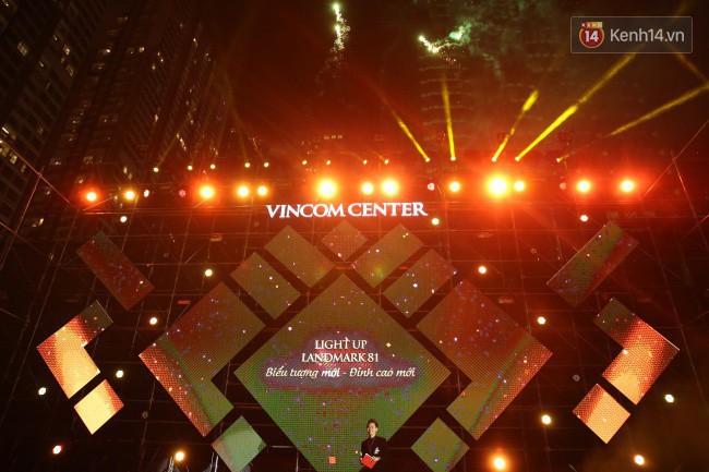 Màn pháo hoa cùng bữa tiệc ánh sáng đèn LED hoành tráng ghi dấu sự kiện ra mắt Vincom Center Landmark 81 - Ảnh 3.