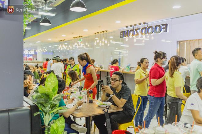 """Cận cảnh VinMart trong toà nhà cao nhất Việt Nam: Ai bảo siêu thị là không thể """"chất"""", không thể cool? 11"""