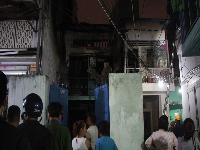 Sài Gòn: Cháy nhà 2 tầng trong hẻm, cả phố náo loạn 4