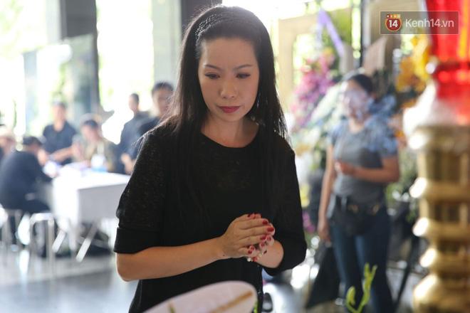 Thành Lộc lặng người bên linh cữu, chia sẻ chuyện xúc động về cố NSƯT Thanh Hoàng 6