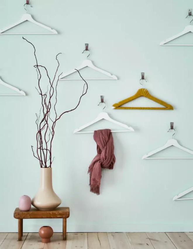 Không chỉ treo quần áo, mắc áo còn có những tác dụng vô cùng hữu ích như thế này 6