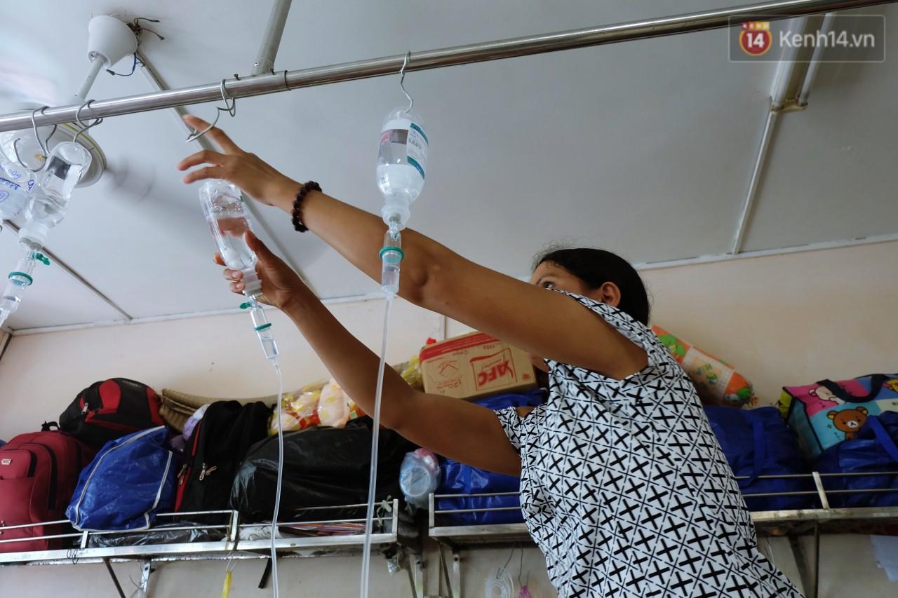Phòng 301 viện ung bướu: Căn nhà thứ 2 của những đứa trẻ trọc đầu và những người mẹ không tên 8