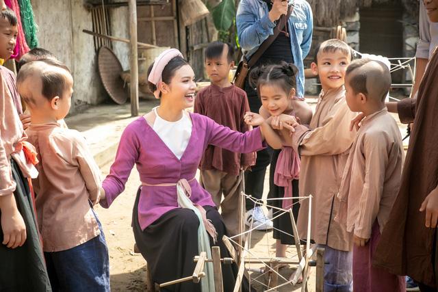 Phạm Phương Thảo chi khủng làm MV cổ trang, tái hiện Lễ rước Trạng vinh quy  4