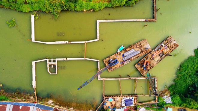 Chùm ảnh: Toàn cảnh sự 'bất động' của loạt công trình chống ngập ở Sài Gòn vì... thiếu vốn, không còn bóng công nhân 10