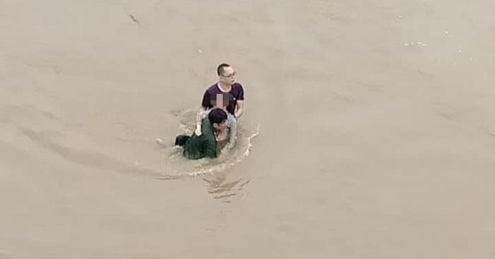 Hai thanh niên lao mình xuống sông Hồng cứu cô gái nhảy cầu tự vẫn 1