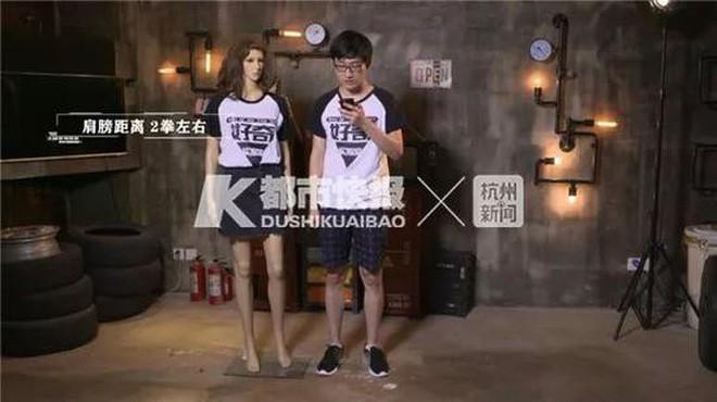 Giày có gắn camera để chụp trộm chị em phụ nữ được rao bán tràn lan trên MXH Trung Quốc 5