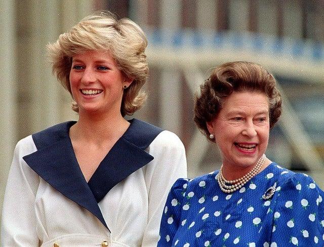 Nguyên tắc kỳ lạ của Hoàng gia Anh: Không ai được phép đi ngủ trước nữ hoàng Anh, còn nữ hoàng đích thị là một… cú đêm 2