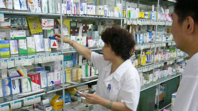 Lo sợ thuốc giả Trung Quốc, người dân Triều Tiên tìm tới thuốc Hàn Quốc 1