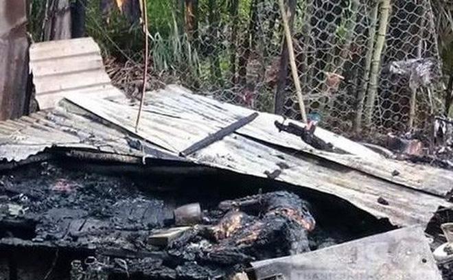 Tưới xăng đốt nhà làm 2 người chết rồi đâm vợ trọng thương 1
