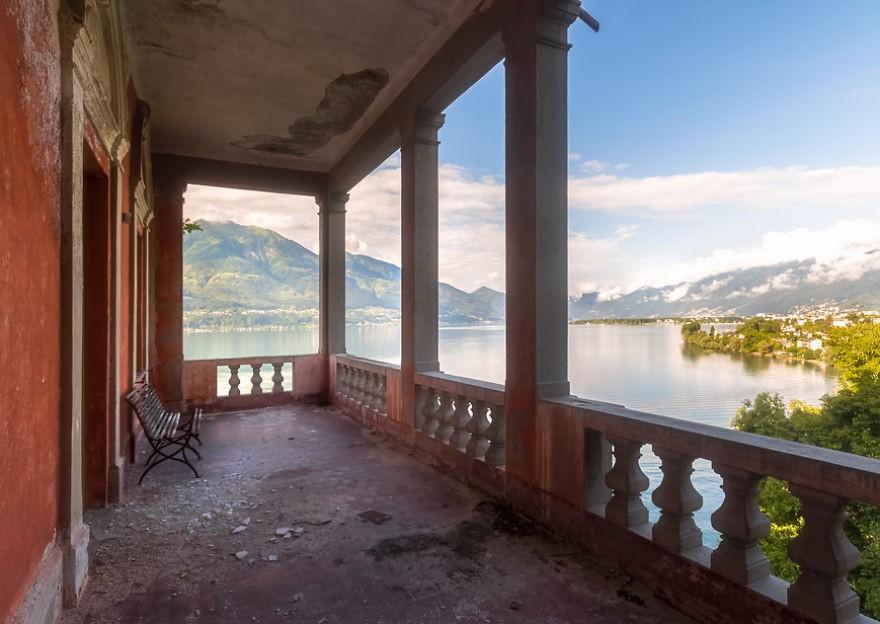 Cùng ngắm nhìn vẻ đẹp ma mị của 25 toà lâu đài và biệt thự bỏ hoang ở châu Âu 12