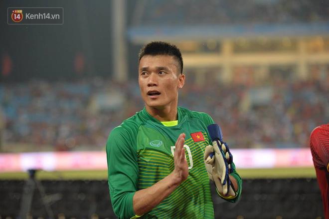 Hình ảnh đẹp, đầy xúc động của U23 Việt Nam sau khi lên ngôi giải Tứ hùng 3