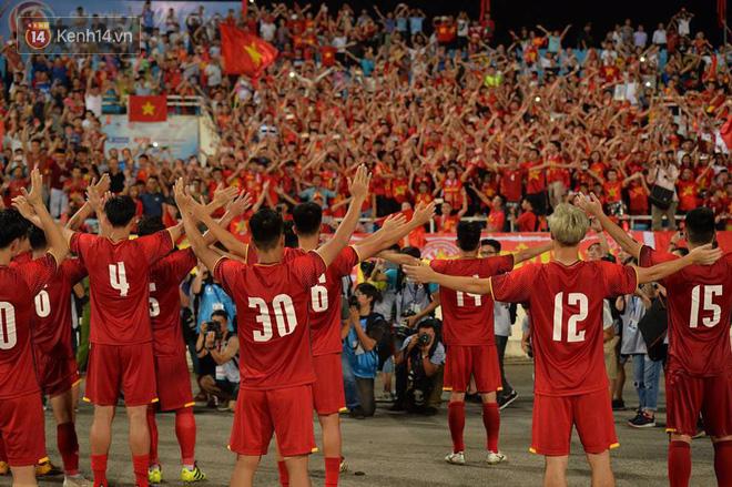 Hình ảnh đẹp, đầy xúc động của U23 Việt Nam sau khi lên ngôi giải Tứ hùng 2