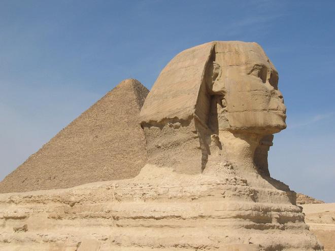 Phát hiện bức tượng Nhân Sư thứ hai nằm trong lòng đất Ai Cập 2
