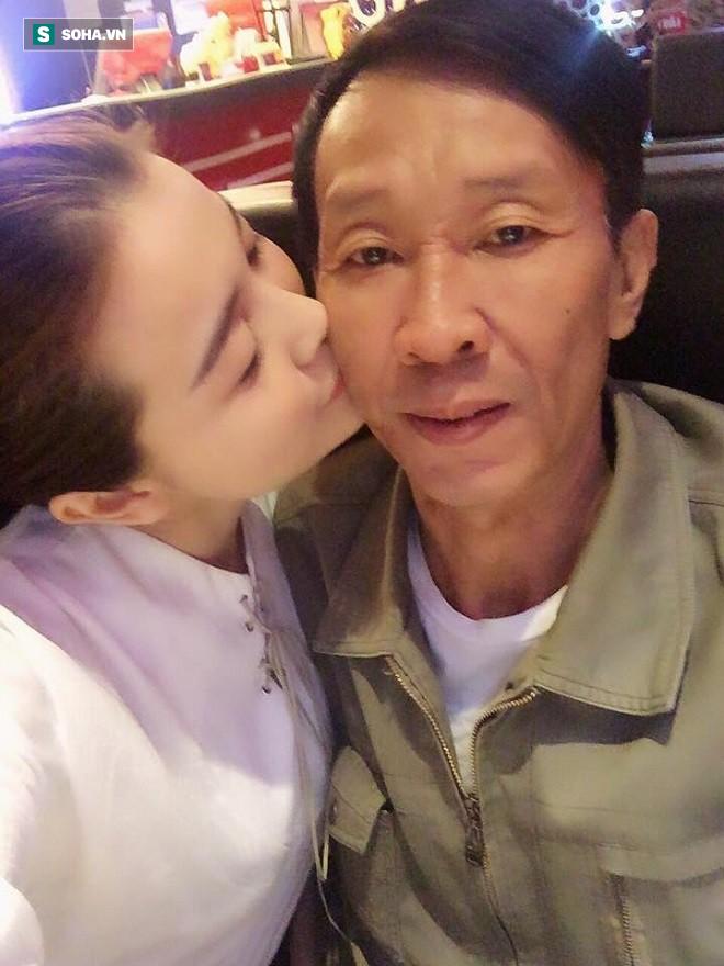 Cao Thái Hà: Gia đình phá sản, đang sống xa hoa trong nhà lầu phải về quê ở nhờ chòi lá 1