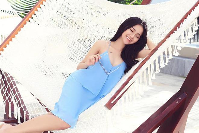 Ngỡ ngàng với nhan sắc thật của 'em gái mưa' đang gây sốt màn ảnh Việt 4