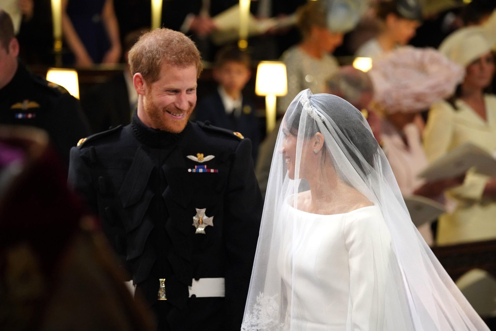 Ít ai biết rằng sau đám cưới, Hoàng tử Harry đã liên tục nói điều này với chuyên gia trang điểm của Meghan Markle 3