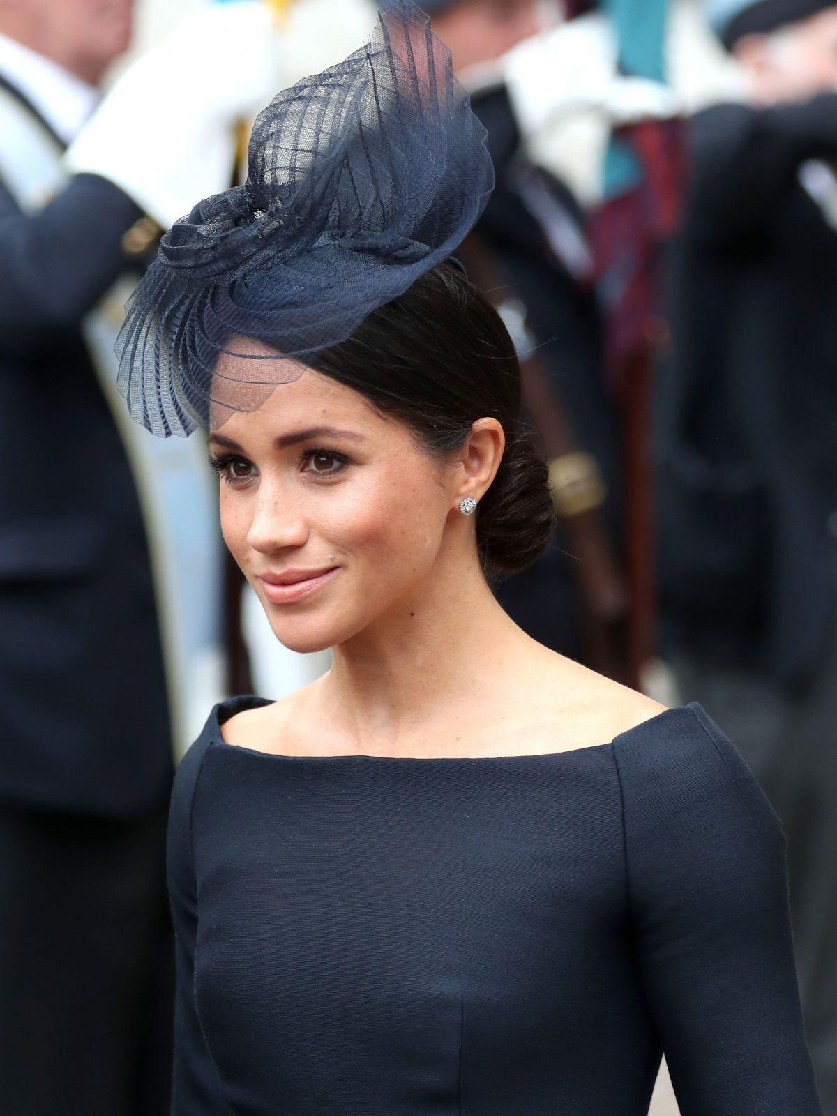 Ít ai biết rằng sau đám cưới, Hoàng tử Harry đã liên tục nói điều này với chuyên gia trang điểm của Meghan Markle 4