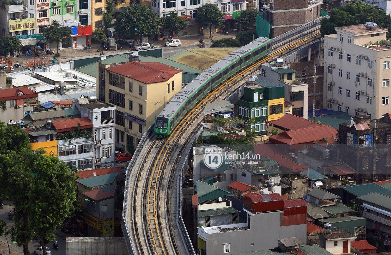 Chùm ảnh: Hành trình 15 phút đoàn tàu đường sắt trên cao lao vun vút từ ga Cát Linh tới Yên Nghĩa 12