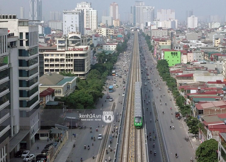 Chùm ảnh: Hành trình 15 phút đoàn tàu đường sắt trên cao lao vun vút từ ga Cát Linh tới Yên Nghĩa 13