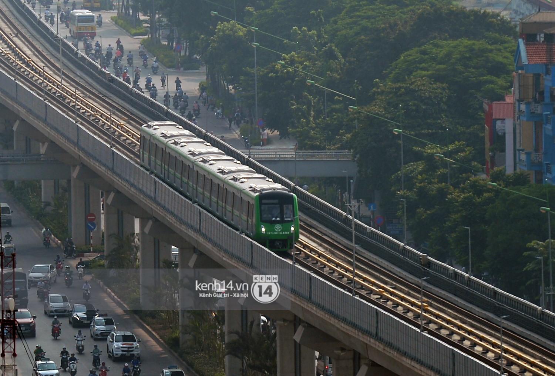 Chùm ảnh: Hành trình 15 phút đoàn tàu đường sắt trên cao lao vun vút từ ga Cát Linh tới Yên Nghĩa 14