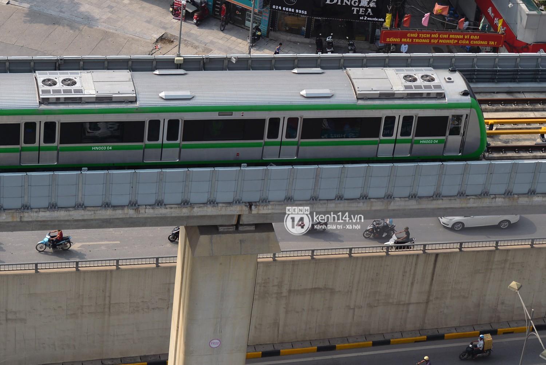Chùm ảnh: Hành trình 15 phút đoàn tàu đường sắt trên cao lao vun vút từ ga Cát Linh tới Yên Nghĩa 15
