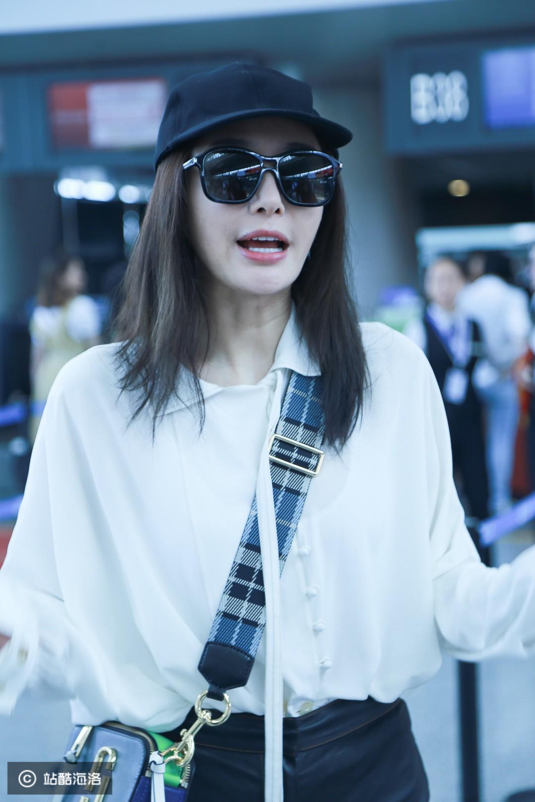 Xuất hiện ở sân bay, 'Hoàng hậu' Tần Lam bị soi nhan sắc đời thường không lung linh như phim 4