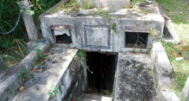 Những chiếc quan tài biết chạy ở Barbados: Bí ẩn khó giải suốt hơn 200 năm - Ảnh 2.