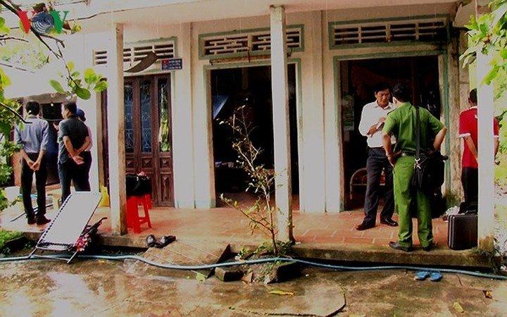 Hiện trường đầy ám ảnh vụ con trai nghi sát hại cha mẹ già và cháu ruột ở Vĩnh Long 5