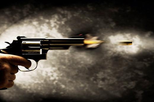 Nam Định: Côn đồ hỗn chiến bắn nhau ở chân cầu, một người dân trúng đạn tử vong 1