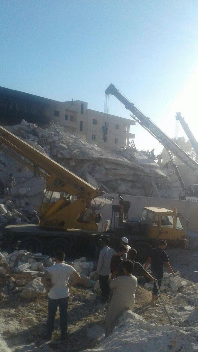 NÓNG: Nổ kho vũ khí tại Syria, gần 40 người thiệt mạng 3