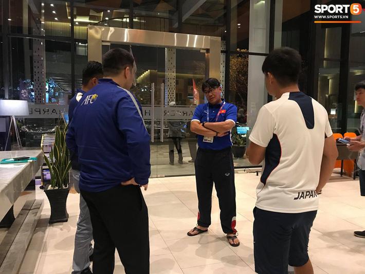 Olympic Việt Nam phải tập ngoài đường, VFF kiến nghị lên AFC 1