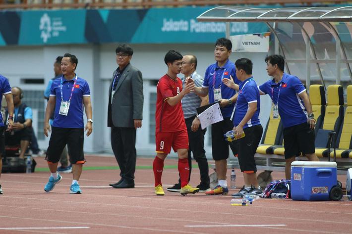 Quang Hải rực sáng, U23 Việt Nam thắng dễ trong ngày Công Phượng 2 lần trượt penalty 4
