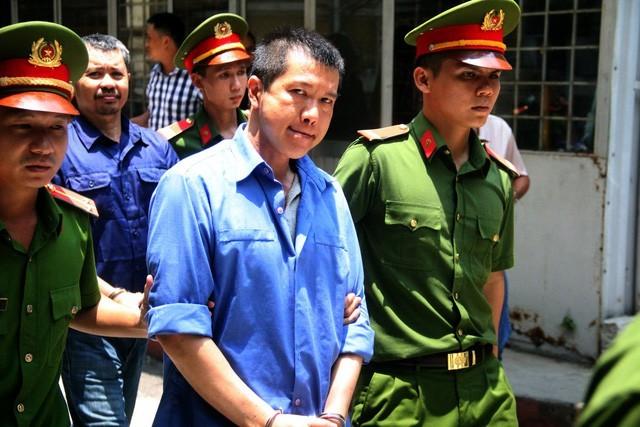 Xử sơ thẩm vụ mua bán 'logo xe vua', 'lộc phát' liên quan đến cựu CSGT Đồng Nai 1