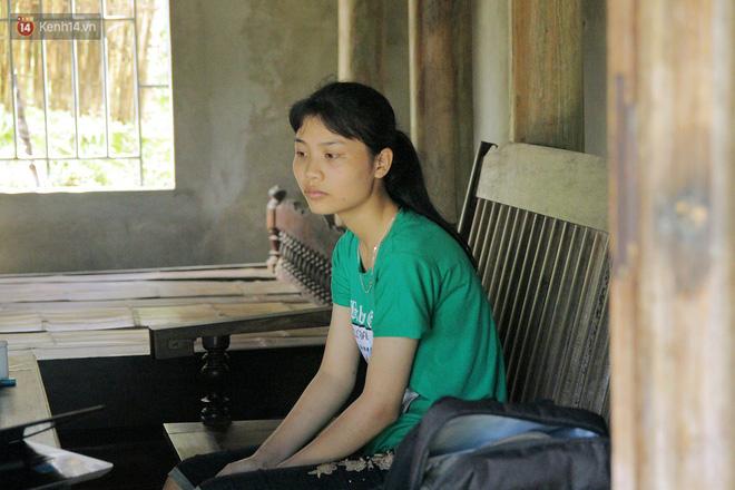 Nữ thủ khoa dân tộc Mường từng gạt nước mắt từ bỏ giảng đường: Nhờ cô giáo và mọi người, em được đi học rồi! - Ảnh 2.