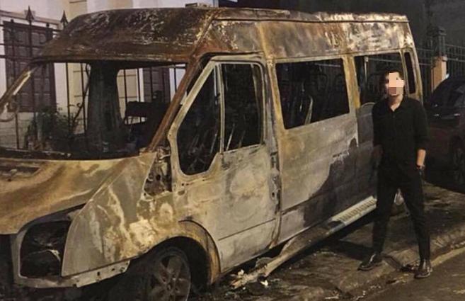 Hiện trường vụ dùng xe hút bể phốt chữa cháy bất ngờ thành nơi check-in của vài bạn trẻ 2